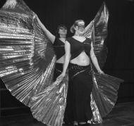 Intro 'Ice Queen' mit Isis Wings und Masken
